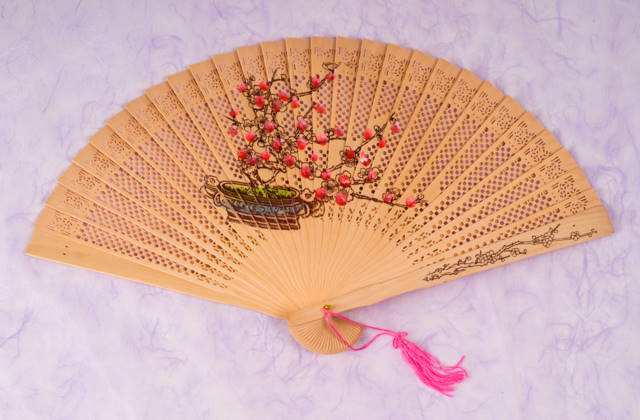 Sandalwood fan plum blossom chinese accessories for Oriental accessories