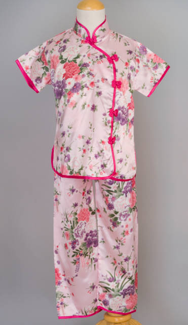 Silk sleepwear is the ultimate in comfort and luxury. Available in a wide variety of styles, colors, patterns and designs, it can be easy to find the perfect item. Silky robes are a great choice when looking for cover-ups.